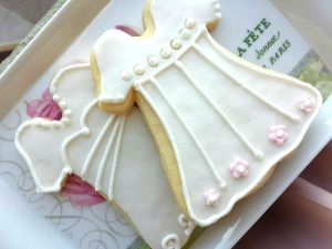 Pretty dress cookies
